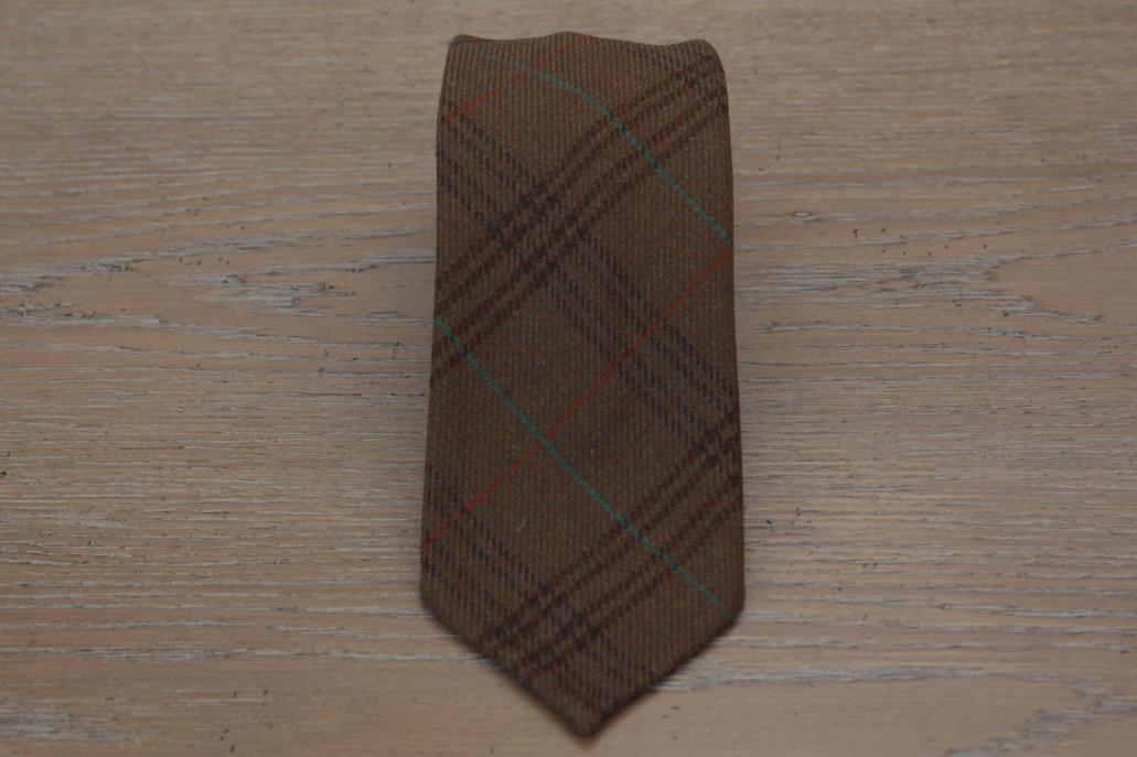 Cravatta in lana colore marrone a quadri 17797