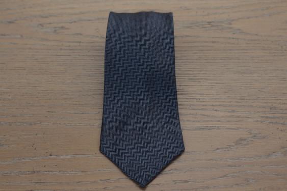 Cravatta in lana colore blu disegno spigato 17801